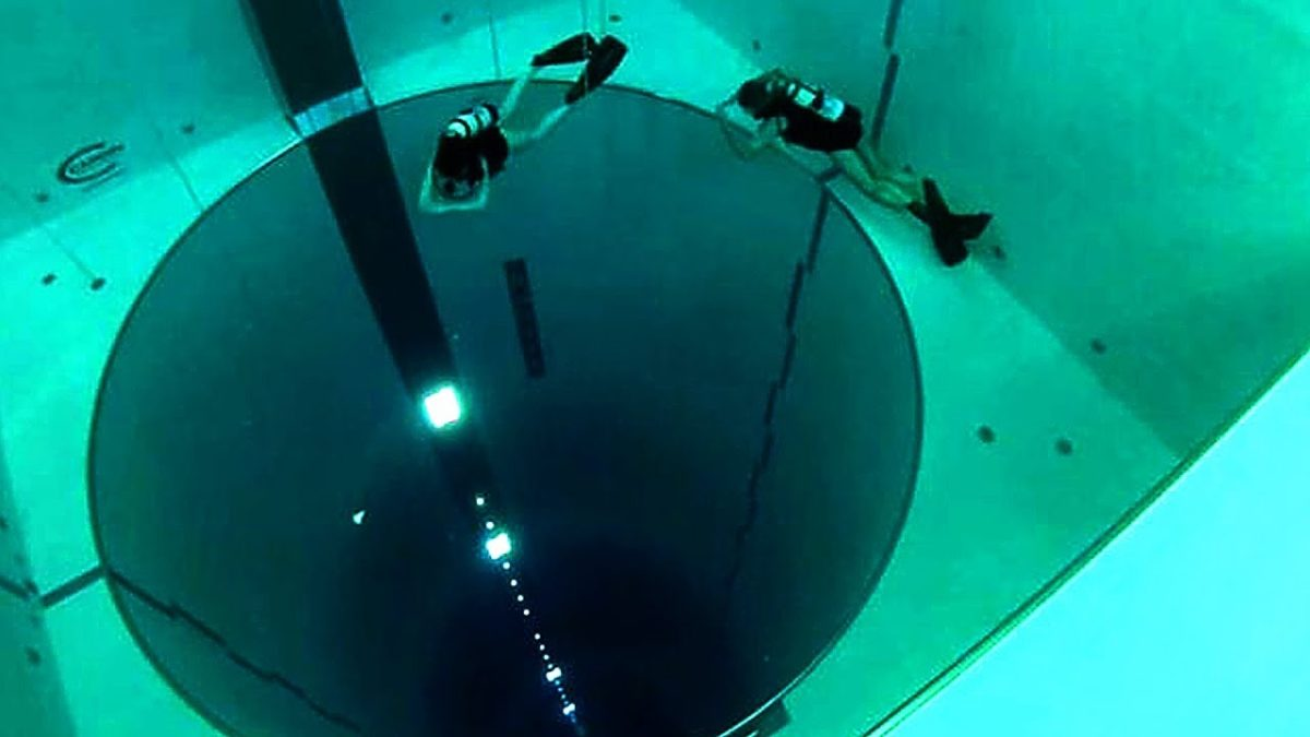 The World S Deepest Swimming Pool Pools